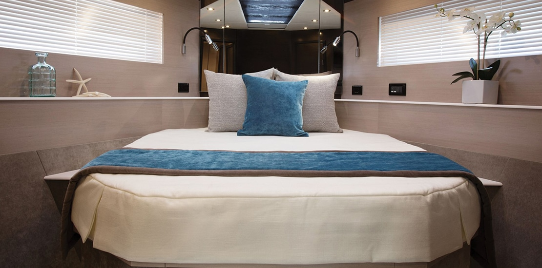 new_0000s_0001_new cruisers 54 cantius yacht vip stateroom