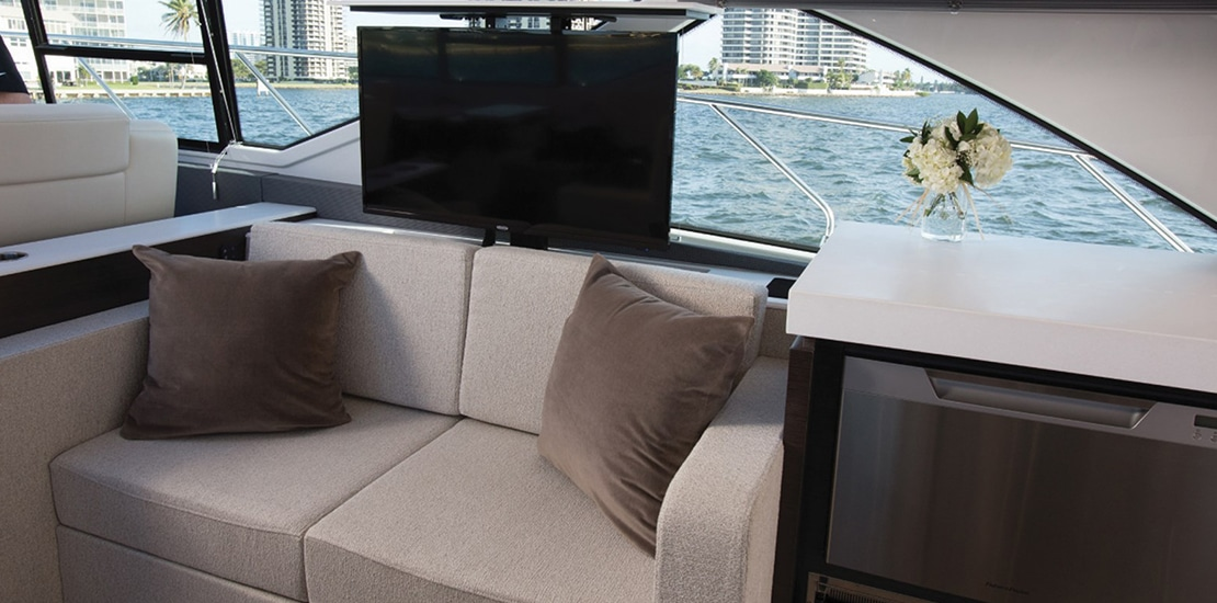 new_0000s_0002_new cruisers 54 cantius yacht upper salon tv