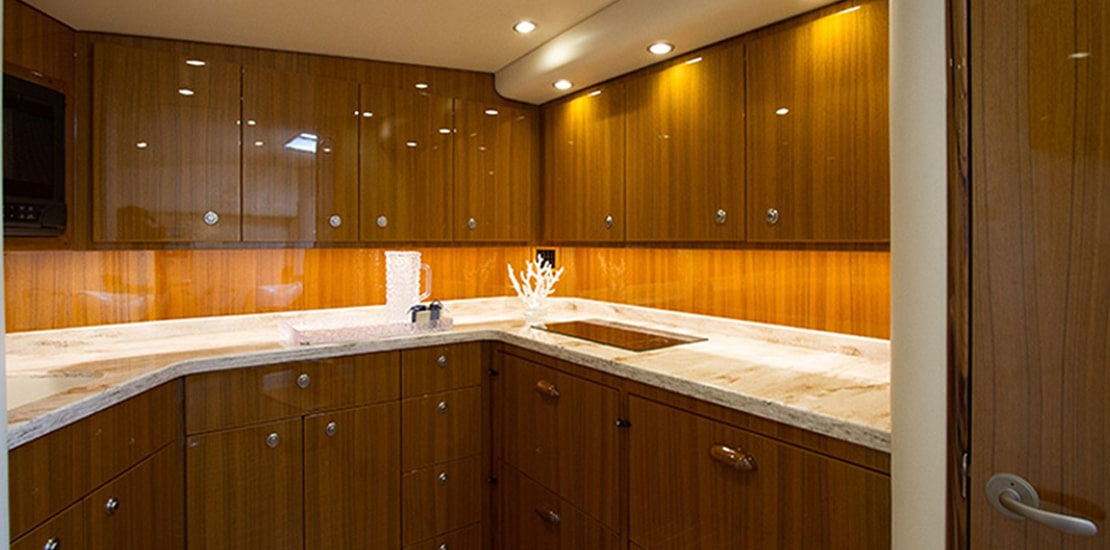 viking 44_0000s_0009_viking 44 open galley