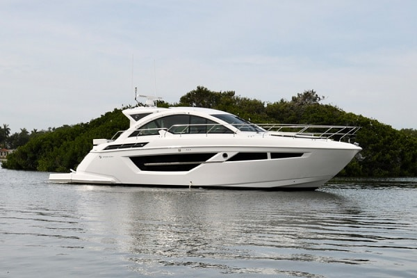 New 2019 Cruisers Yachts 50 Cantius Yacht