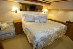 VIKING 74 Bedroom