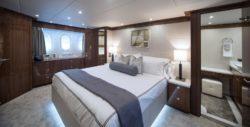 Sunny 100' Hargarve Yacht