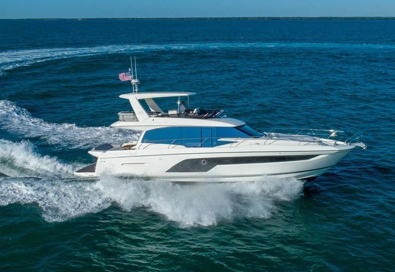 New Prestige Yachts 590 Flybridge Yacht