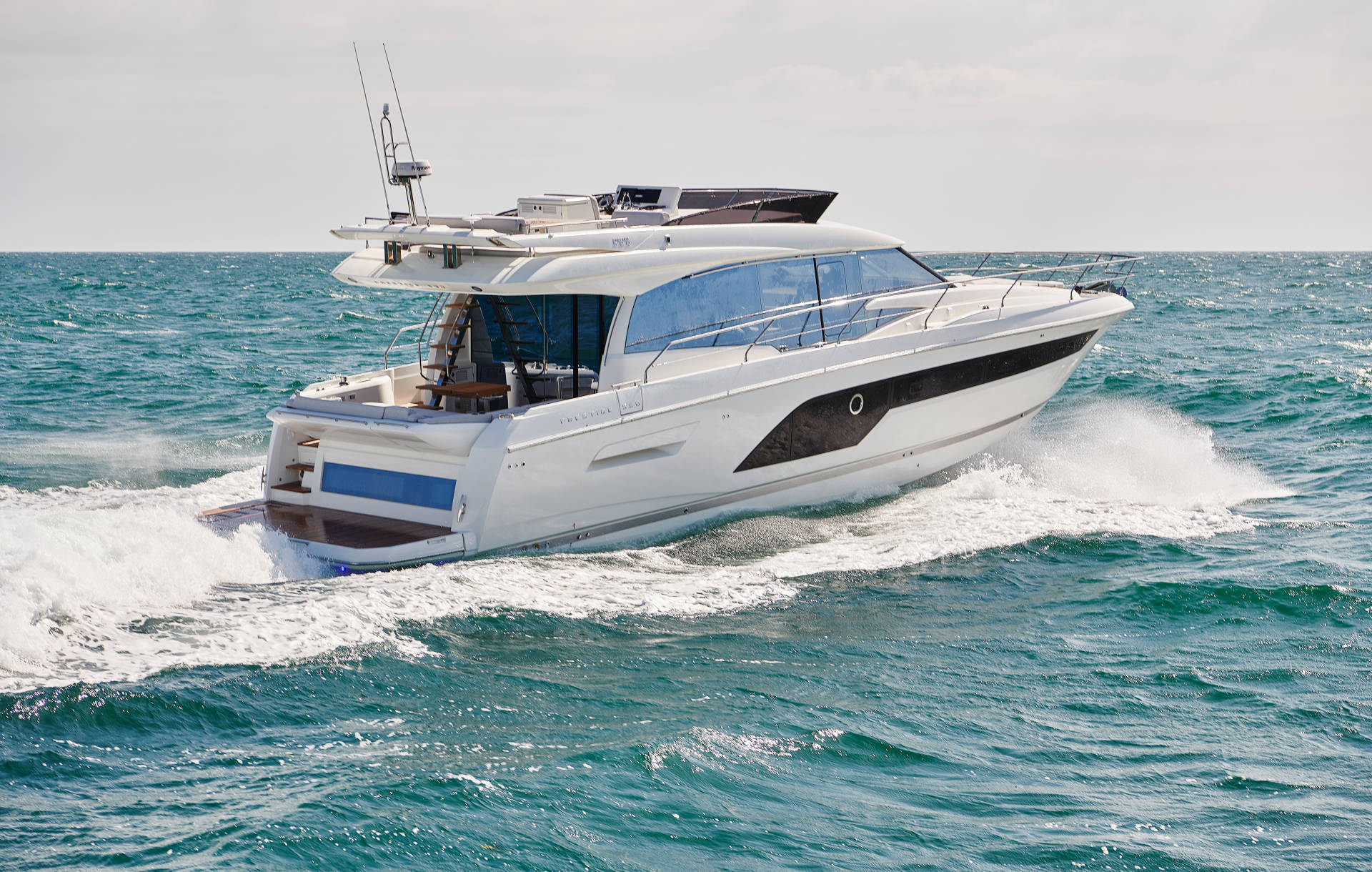 New Prestige 590 Flybridge Yacht