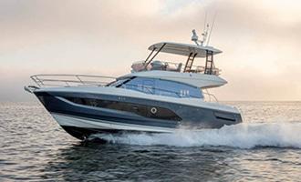 New Prestige 420 Flybridge Yacht