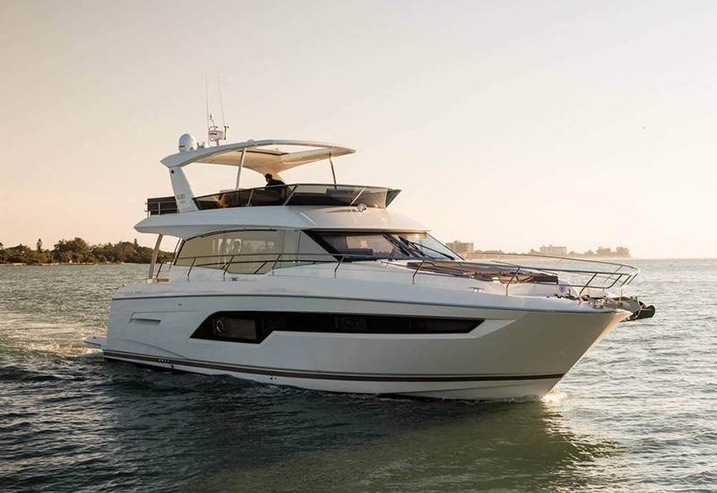 New Prestige Yachts 630 Flybridge  Yacht