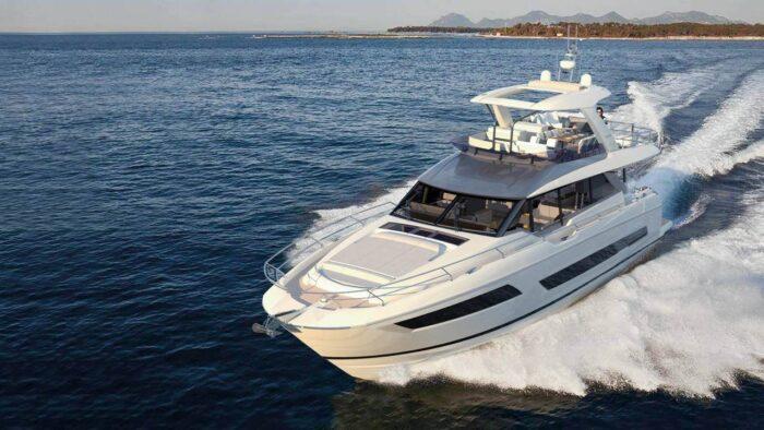 690 Prestige Yacht Flybridge