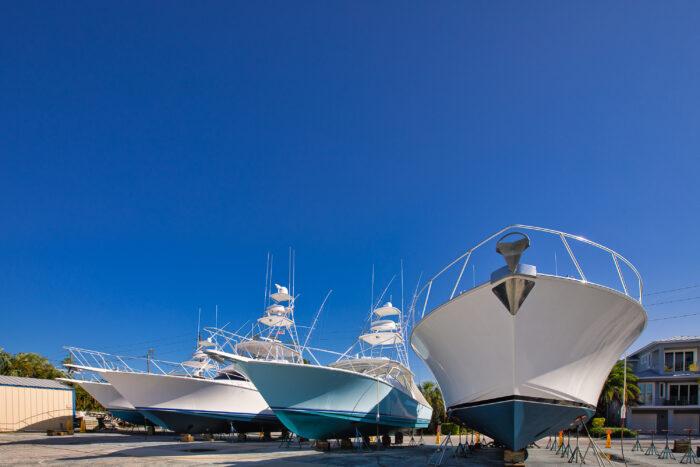 service yard: Choosing a Boat Dealer