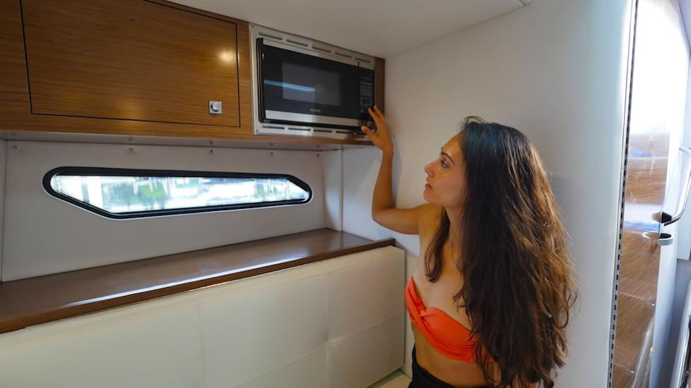 Microwave Cruisers 338 OB