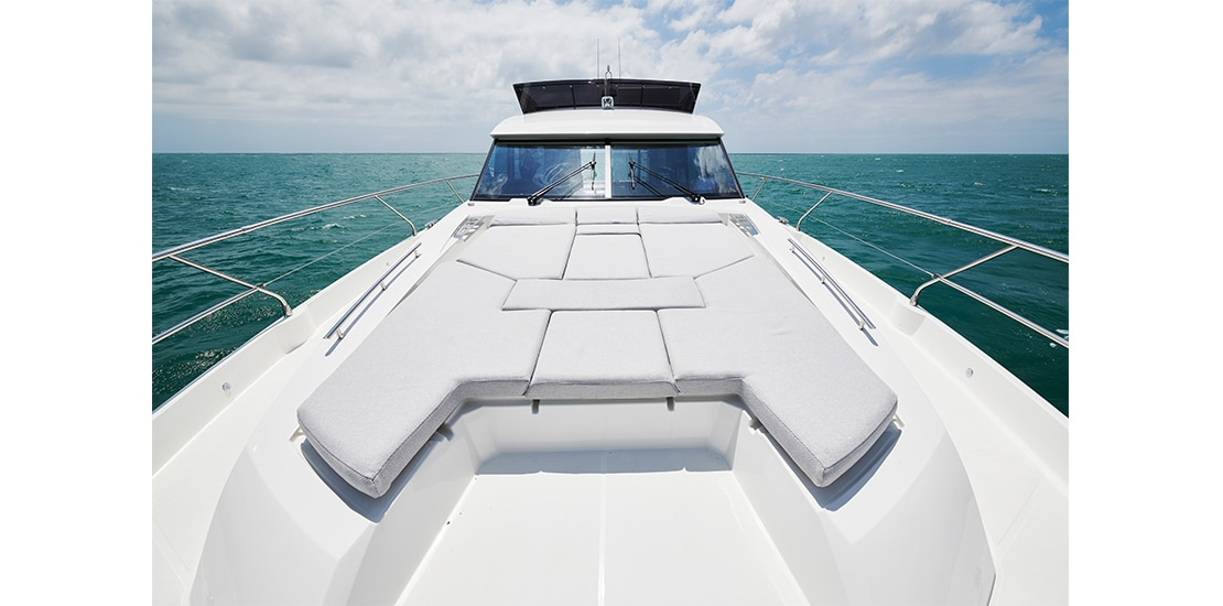 Prestige 590 Bow Seating