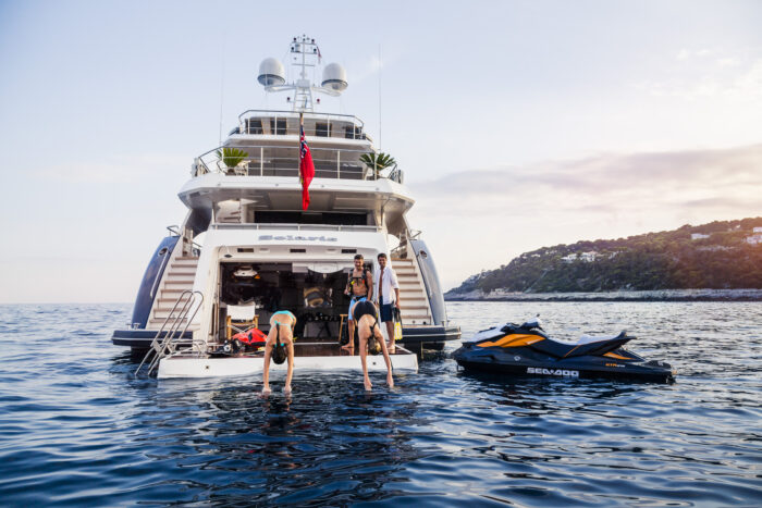 Yachting activities: watersports