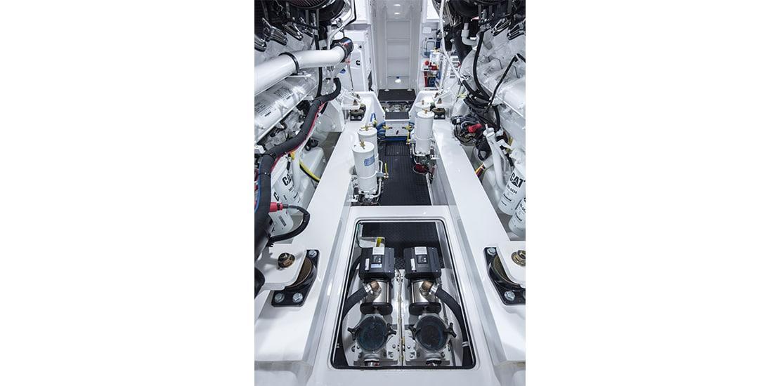 Viking 62 Convertible Engine 4