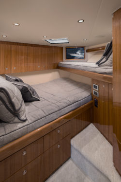 Viking 44 C Bedroom