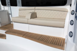 Viking 44 C rear seating