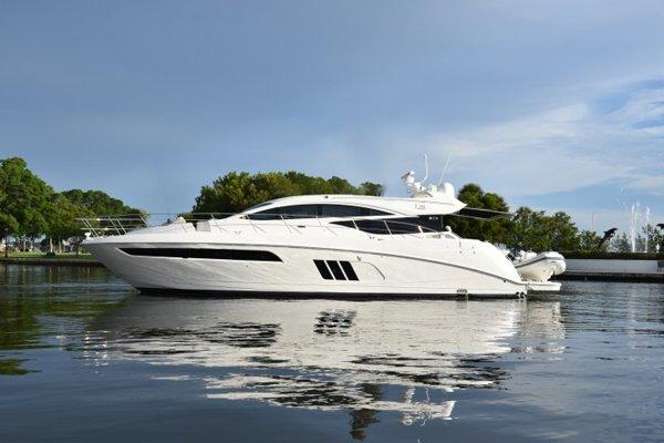 New SEA RAY L590 Yacht