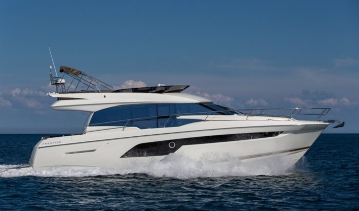 Prestige 520 Flybridge Model