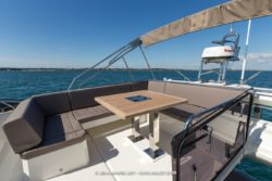 Prestige 520 Flybridge seating