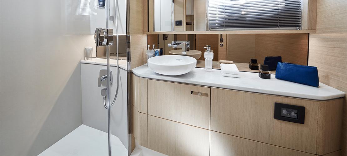 v60 bathroom 2