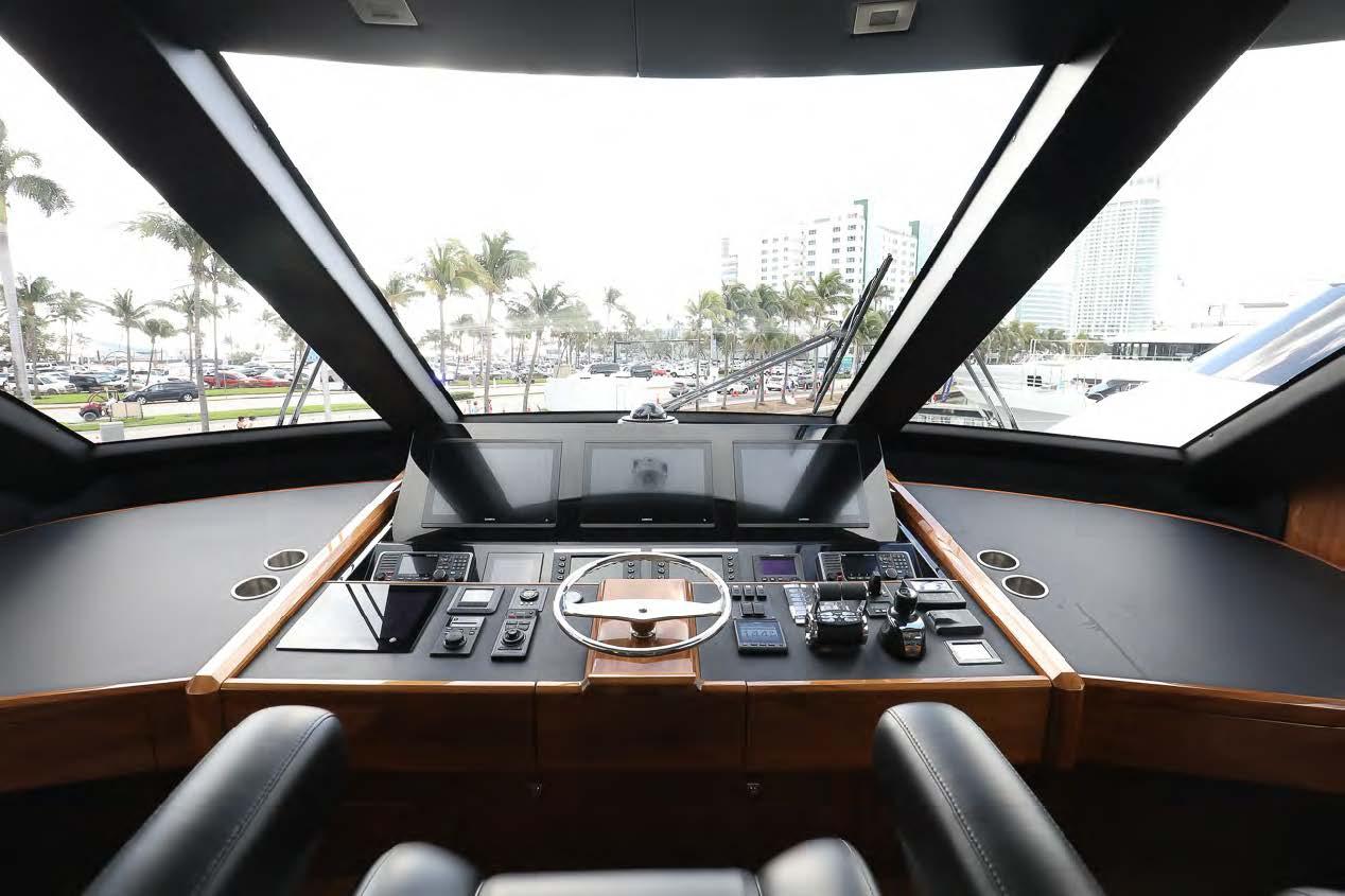 viking 75 my yacht helm