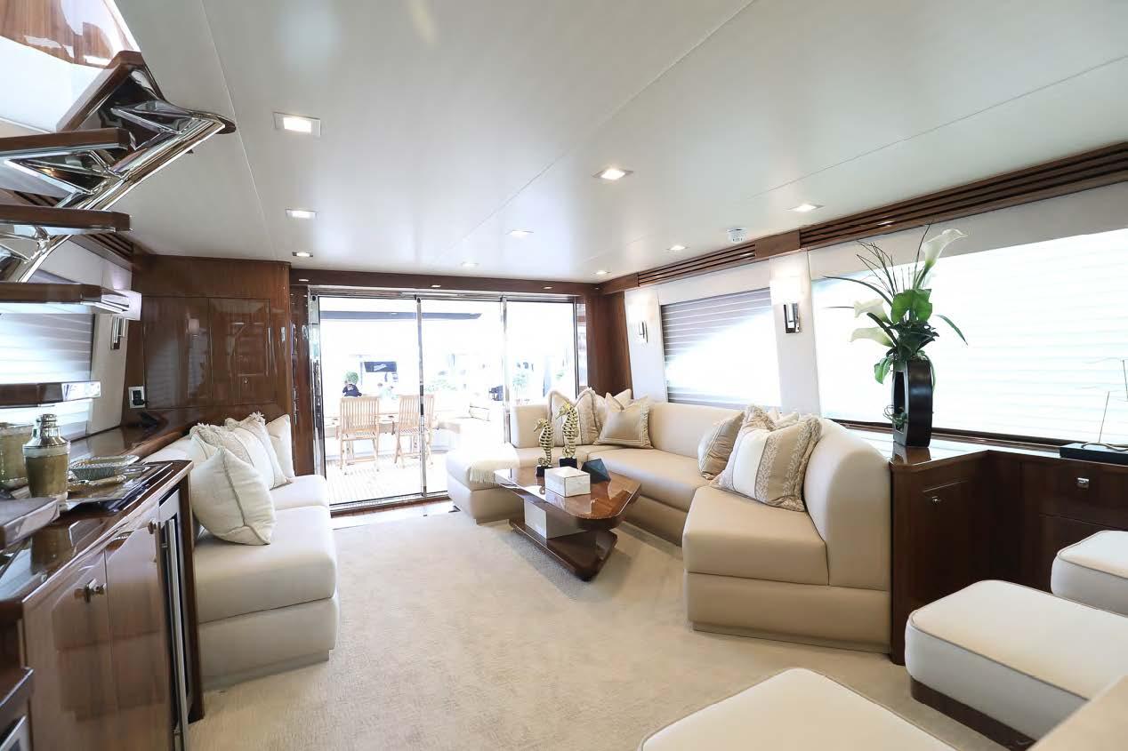 viking 75 my yacht salon seating
